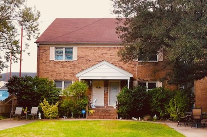 Beautiful Brick Beach Home for your Ideal Vacation! Very spacious yet cozy. I live on the left side of the duplex you will be on the right side. See floor plan for details