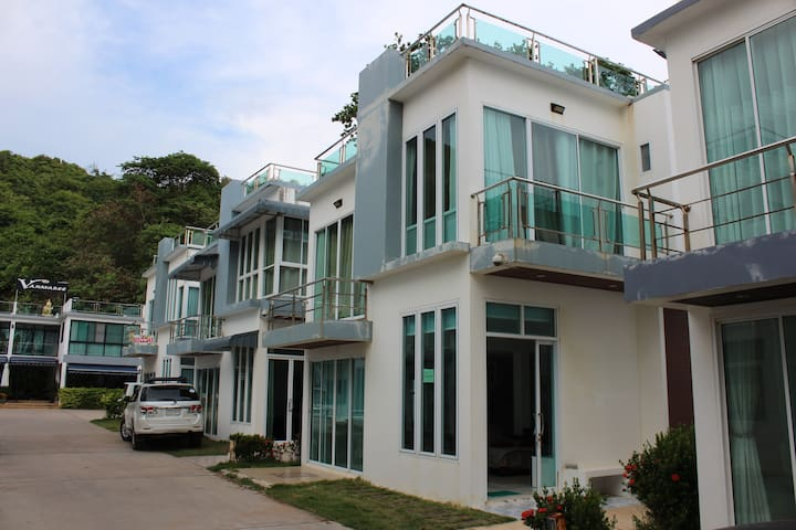Khung Wimarn Beach Home by 3 Angels