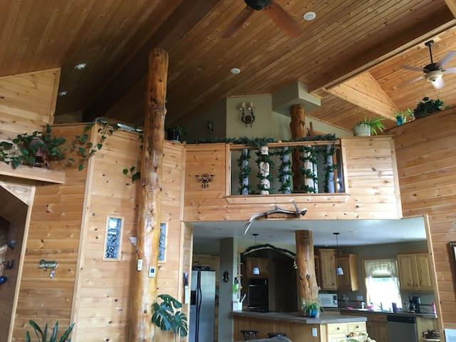 Beautiful Craftsman Designed Cabin