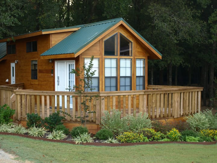 Charming Cottage at Mill Creek Ranch Resort