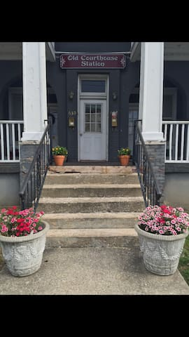 Quaint, spacious, 1BR in lowertown - Paducah - Apartmen
