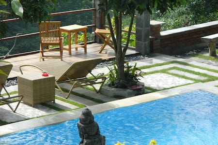 Room in Villa with view and pool near Aling-Aling