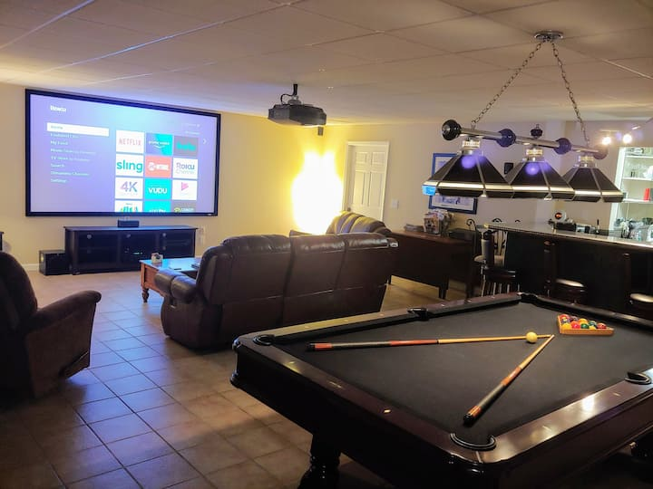 Relax at The Cave! GSO Guest Suite Getaway