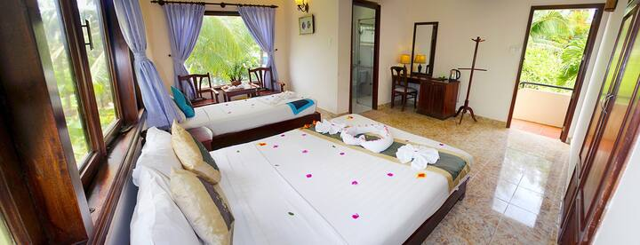 Malibu Resort - Deluxe Triple Room - Mui Ne