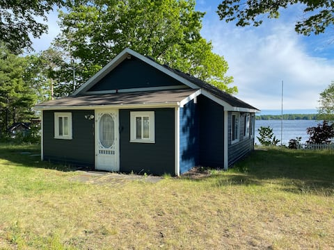 Lakefront Private Cottage on Lake Simcoe