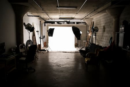 Large Photo/Video Studio in the Arts District - Los Angeles