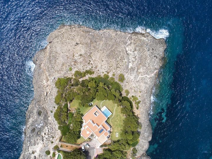 M4R Villa Paraiso, Cala Llamp