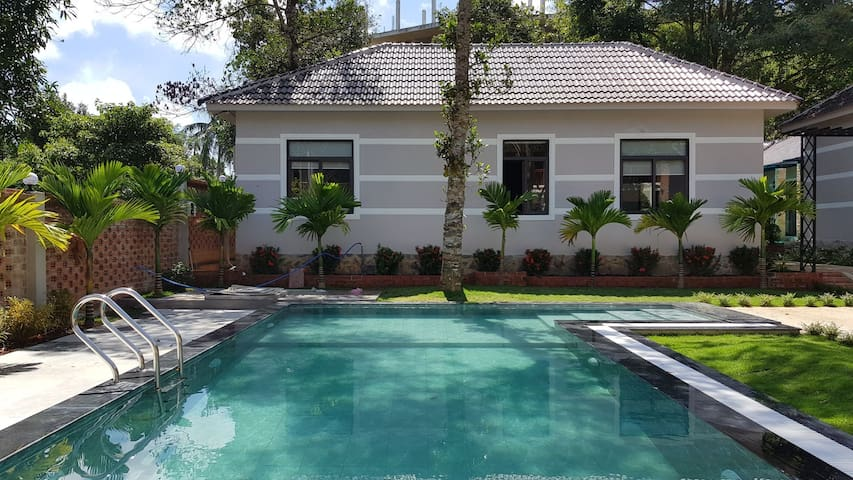 2 Bedrooms Villa with pool, close to the beach - 1
