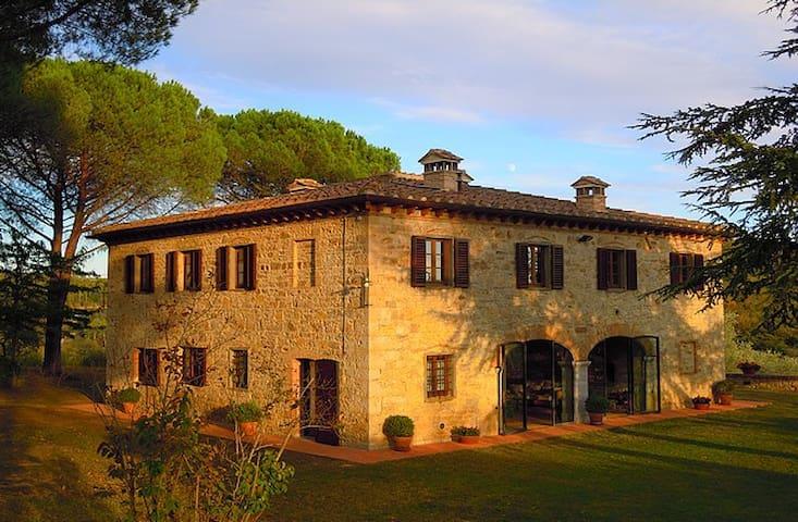 Lucignano Secondo - La Villa