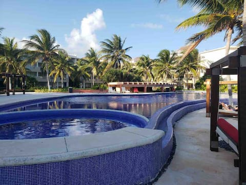 Luxurious Beachfront Condo