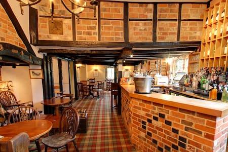 The Nags Head Inn & Restaurant - Buckinghamshire