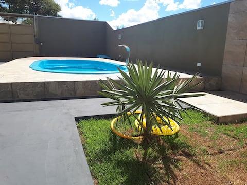 Casa com ampla area gourmet e piscina