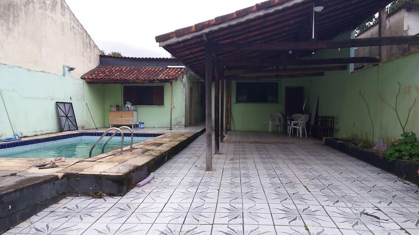 Casa com piscina para temporada em Ilha Comprida - Ilha Comprida - 一軒家