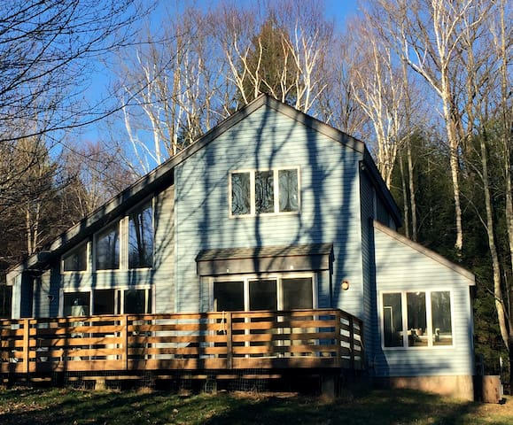Renovated Catskills Home with Hot Tub - Jewett - House
