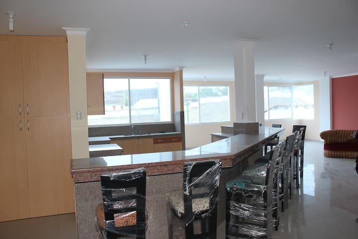 Casa gigante Capaes privado Seguro - Salinas - Dom
