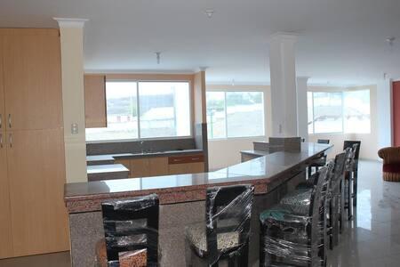 Casa gigante Capaes privado Seguro - Salinas