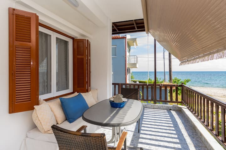 Chalkidiki Seafront Apartment