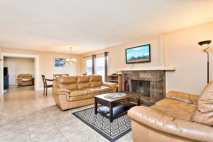Spacious Home: 3 minutes to beach - Huntington Beach - Flat