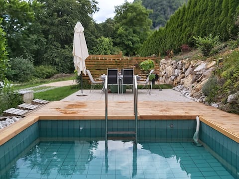 Tree root - InGreen house with pool