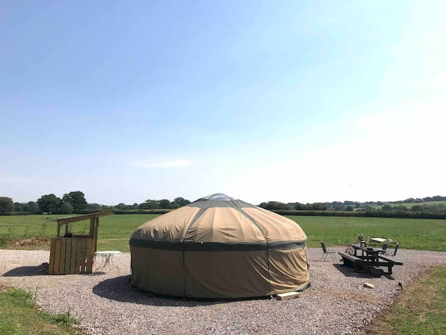 A Little Peace of Dorset, secluded yurt with view