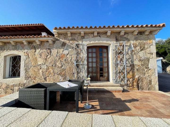 Holiday Home 'Villa Lu Passiu in Costa Smeralda' with Wi-Fi, Air Conditioning, Garden & Terrace; Parking Available