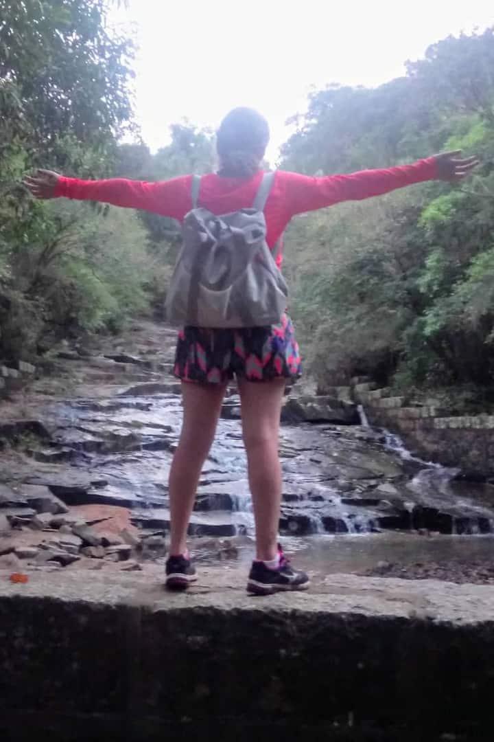 Banho de cachoeira no final