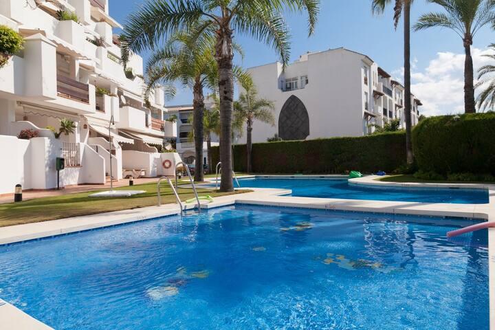 Marbella Large Apartment ALCAZA - Marbella - Apartamento