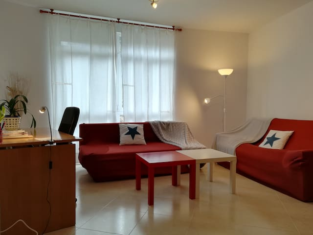 Charming  Apartment Nearby SCQ
