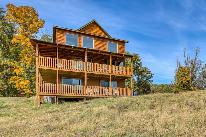 New Listing! Amazing Valley-View Cabin w/ Hot Tub