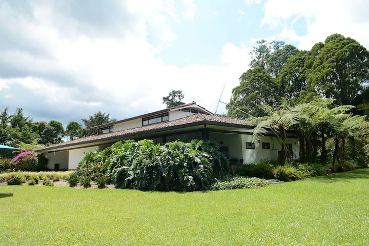 Lujosa Casa Finca Llano Grande 5 Habitaciones