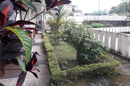 Hotel Ecológico Riverside en Quevedo