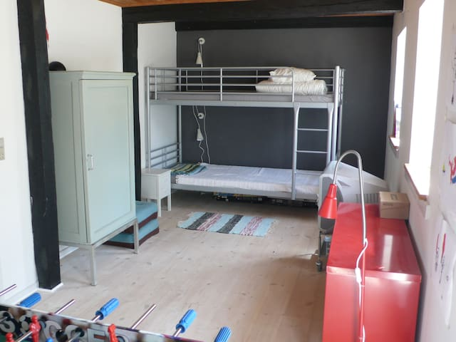 Kids bedroom with bunkbed. Has now been changed to a doublebed, photo not updated