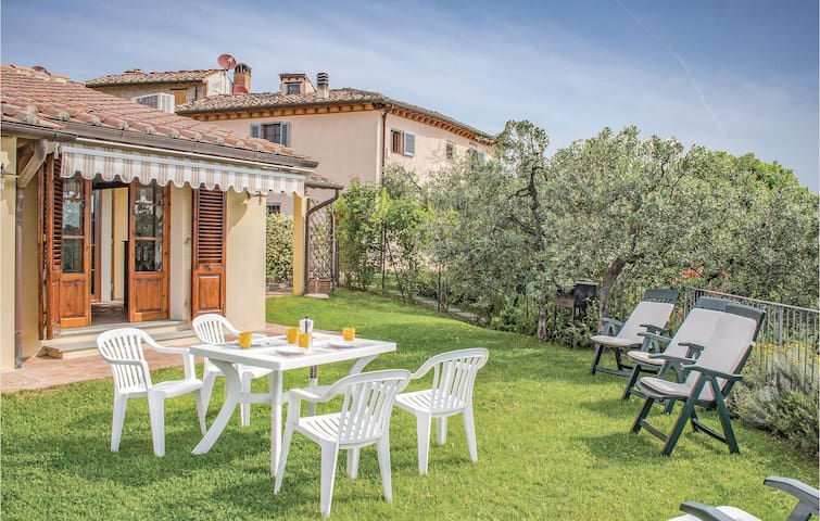 Holiday cottage with 2 bedrooms on 72m² in Montespertoli FI