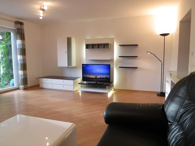 Modernes Haus in ruhige Lage