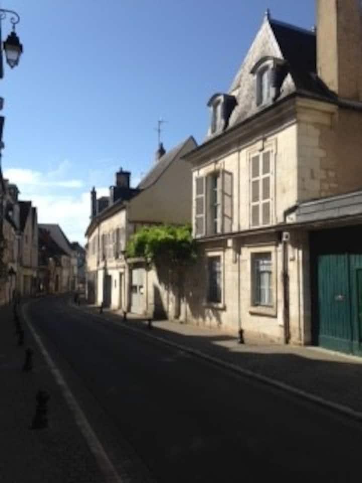 Bourges CV : 2 Grandes Chambres Indépendantes