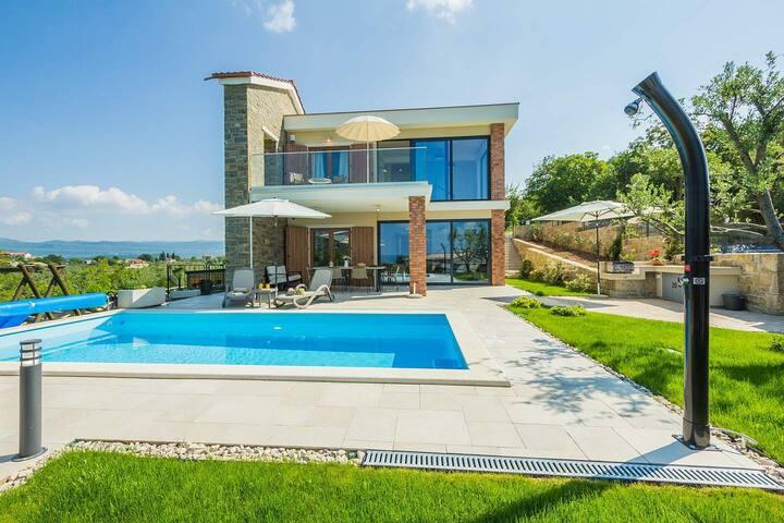 Villa Fresco in central Istria with pool