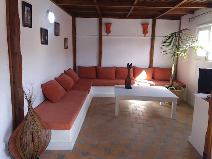 Appartement 5 pers, 3ch /terrasse, jacuzzi.