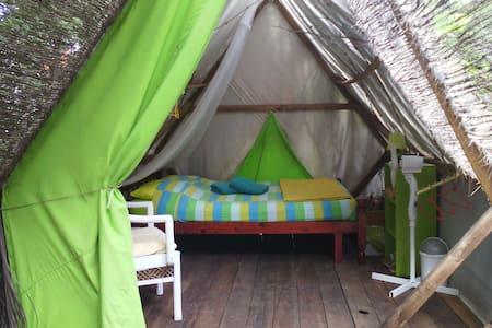 Surf Camp aménagé (Tente My sunrise) - Sainte Anne - เต็นท์