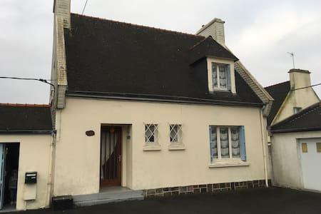Maison bretonne pour voyageurs - Lesneven