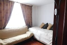 Secondary Bedroom with Sofa bed/ Dormitorio secundario con sofa cama
