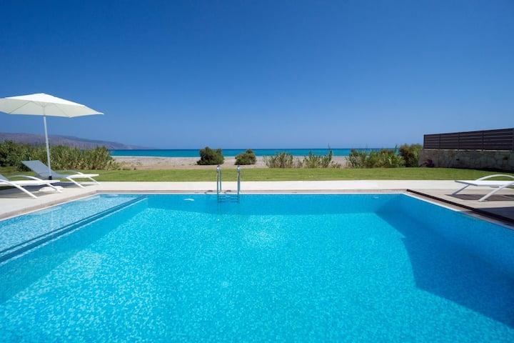 Beach Villa, 4 BD, 3 BA, private pool, seafront