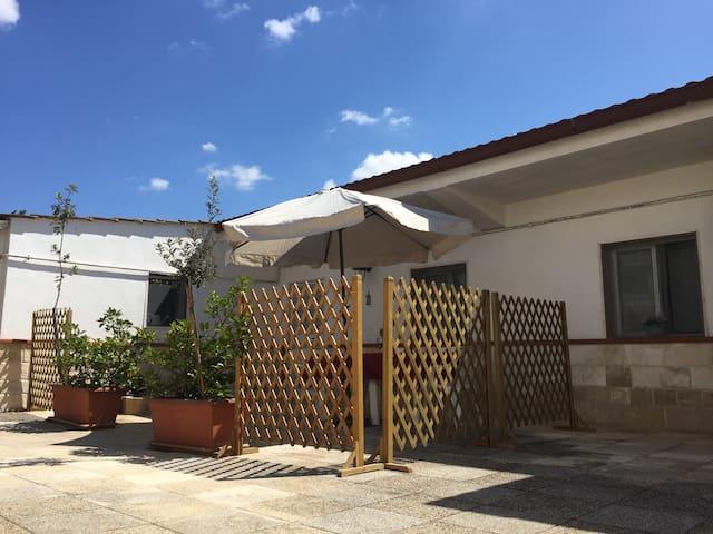 Bilocale vicino al mare con parcheggio privato - Taranto - Appartement