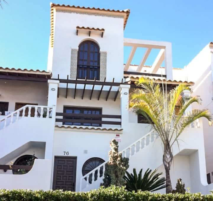 Villa Alicante: Autentica, moderna y todo confort.