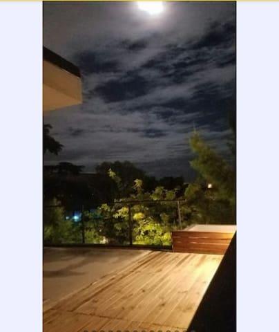 Habitación priv.  en casa/verde/ luz/conexión