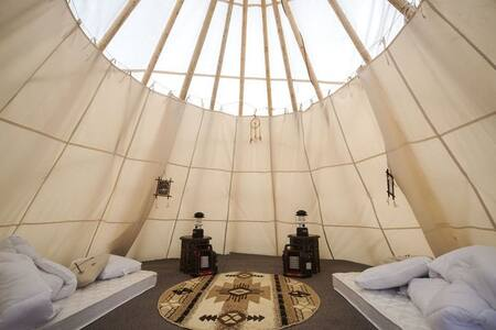 Glamping in a Tipi for 4  by Mt Rainier 1 - Elbe