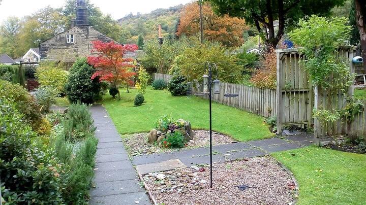 Comfortable Hebden Bridge home with gardens