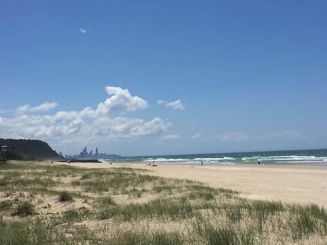 The View 50m Away Up To Surfers Paradise