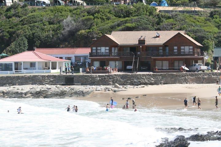 Casa Maris in Victoria Bay.