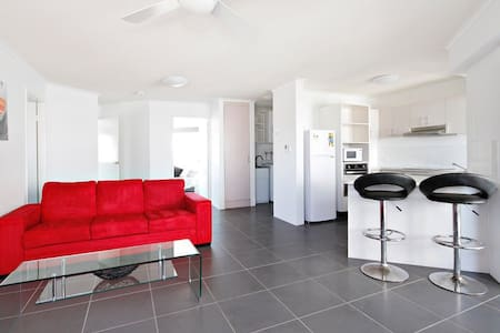 2 Bedrooms close to the beach! - Mooloolaba