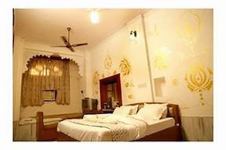 hotel amber house